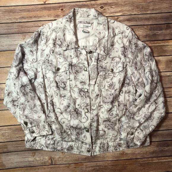 d86425f4024b Lucy & Laurel Jackets & Coats   Lucy Laurel Floral Button Down ...